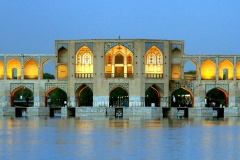 h-Isfahan-Khajou-Bridge-(8)